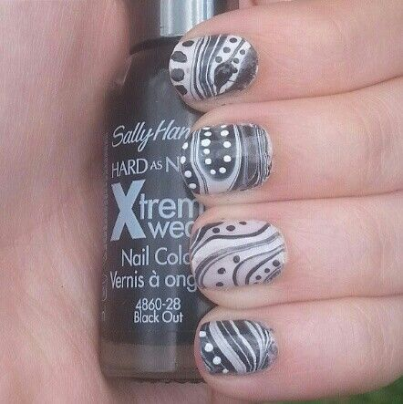 black and white water marble #nail #art