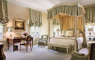 24 Reasons You Need A Canopy Bed Traditional Bedroom Home Room