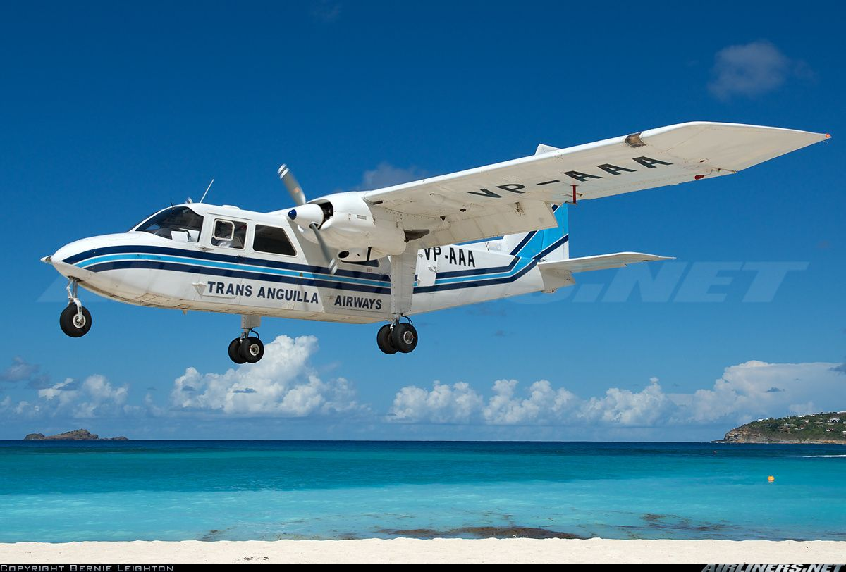 Britten norman as the company s official paint scheme design company - Britten Norman Bn 2a 21 Islander Aircraft Picture