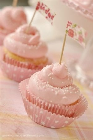 Pink lemonade cupcakes! by Asmodel