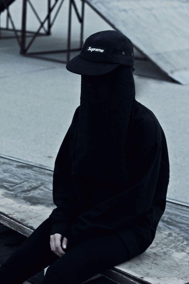 All Black Supreme  7bc401664d92