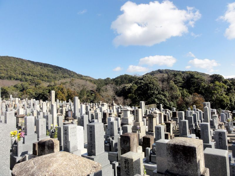 Friedhof in der Nähe vom Kiyomizu-dera Tempel in Kyōto, Japan