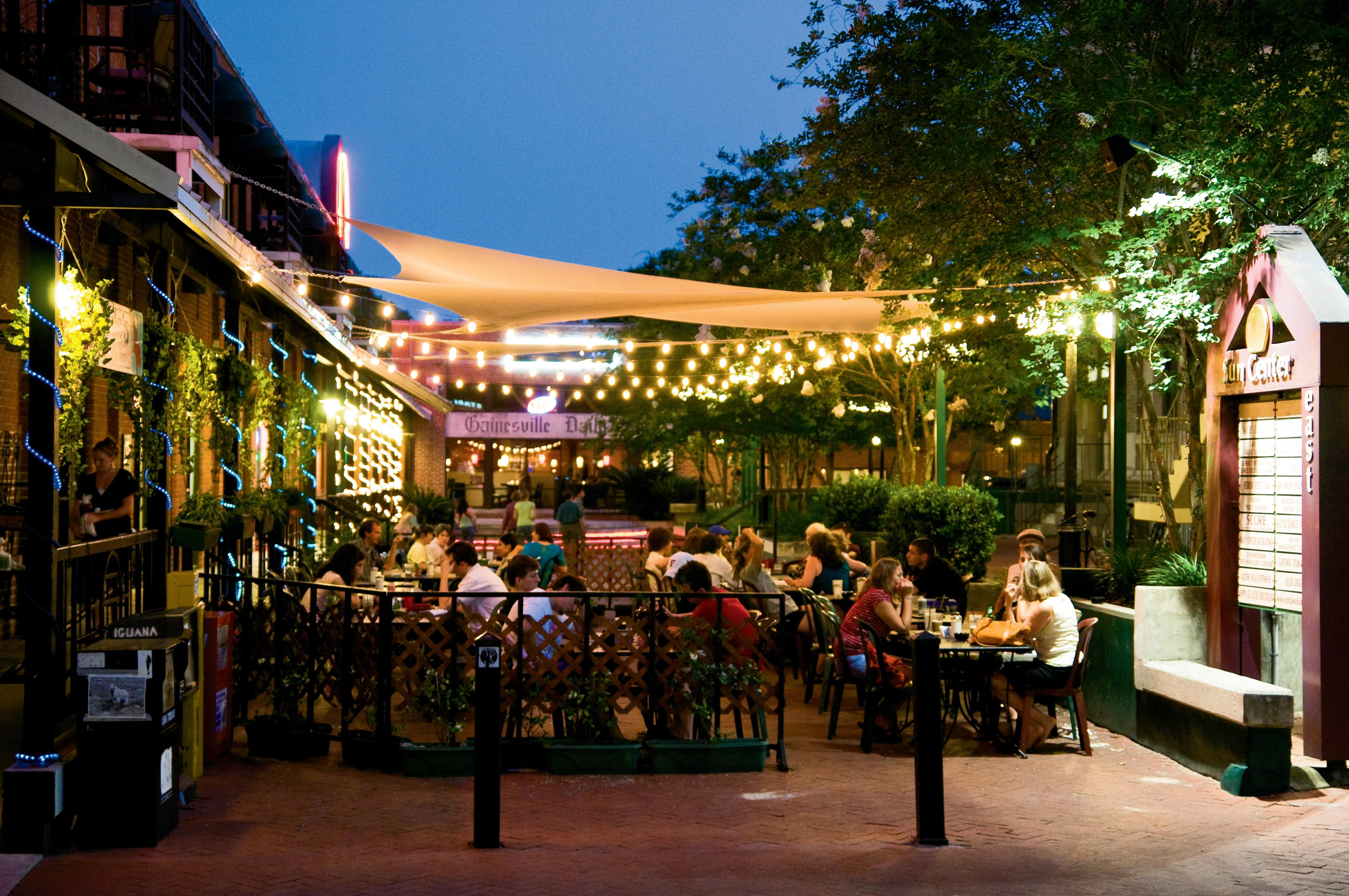 Explore Downtown Gainesville Fl Gainesville Florida College Town Visit Florida