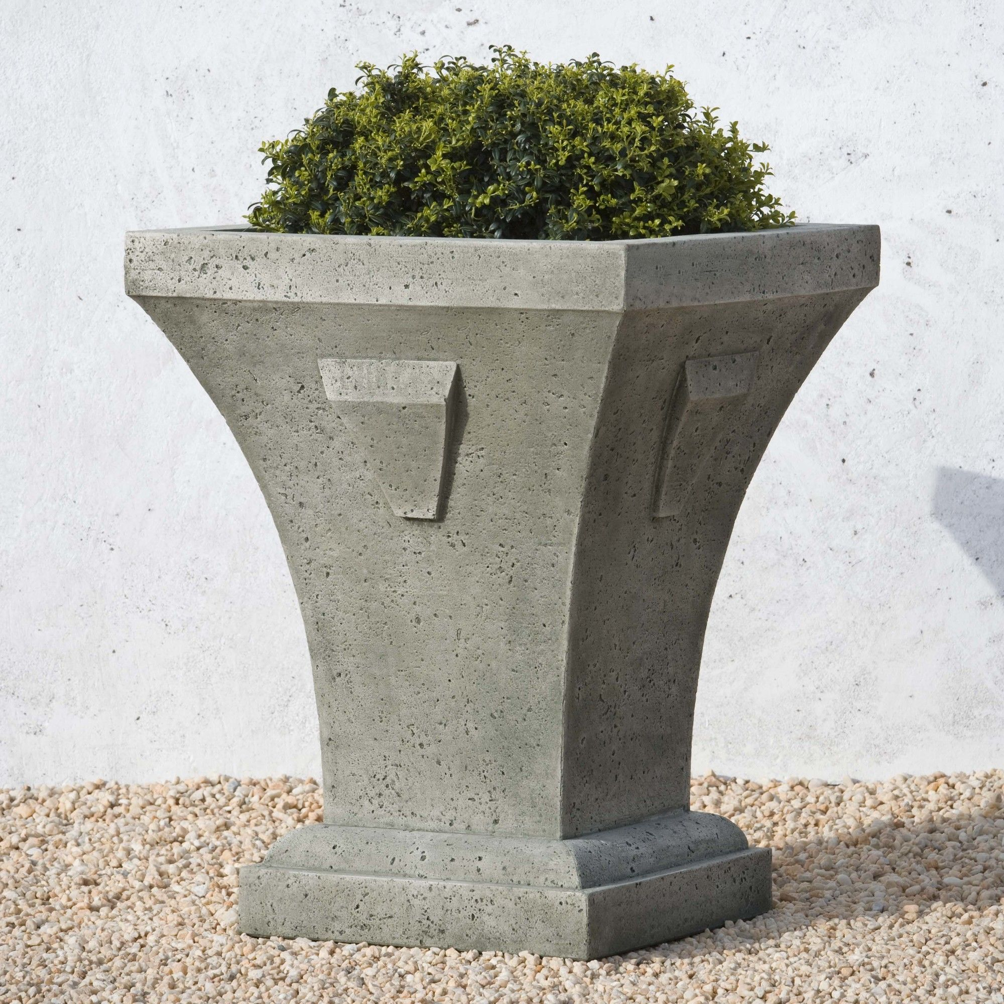 green today ulysses overstock garden christopher product home white knight with urns by free urn planter inch shipping moss