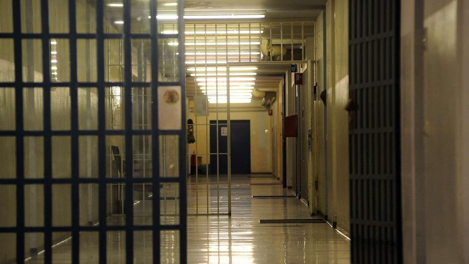 Facciamo gli auguri ai nostri prigionieri politici!