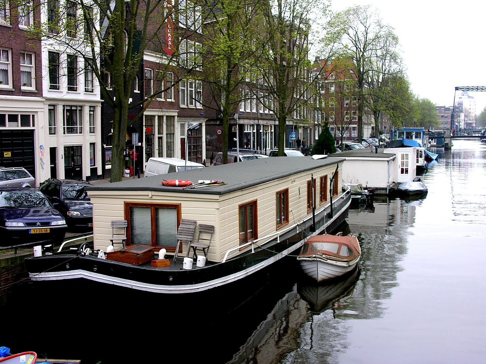 The Amsterdam House Boat Book Apartments Amsterdam