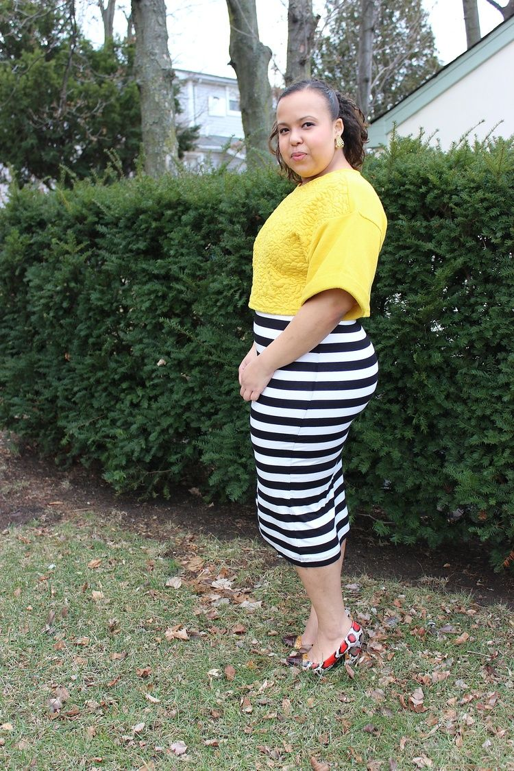 229e61e3b7d H M black and white striped midi pencil skirt with mustard crop top. Spring  2014 fashion. Plus size fashion blogger. Curvy fashion blogger.