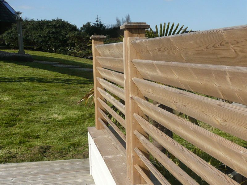 Palissade bois persienne portails clotures pinterest gates and fences - Faire une cloture en palette ...
