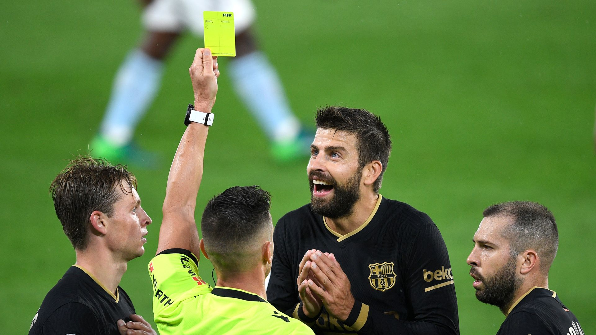 Pique: Most referees are close to Real Madrid