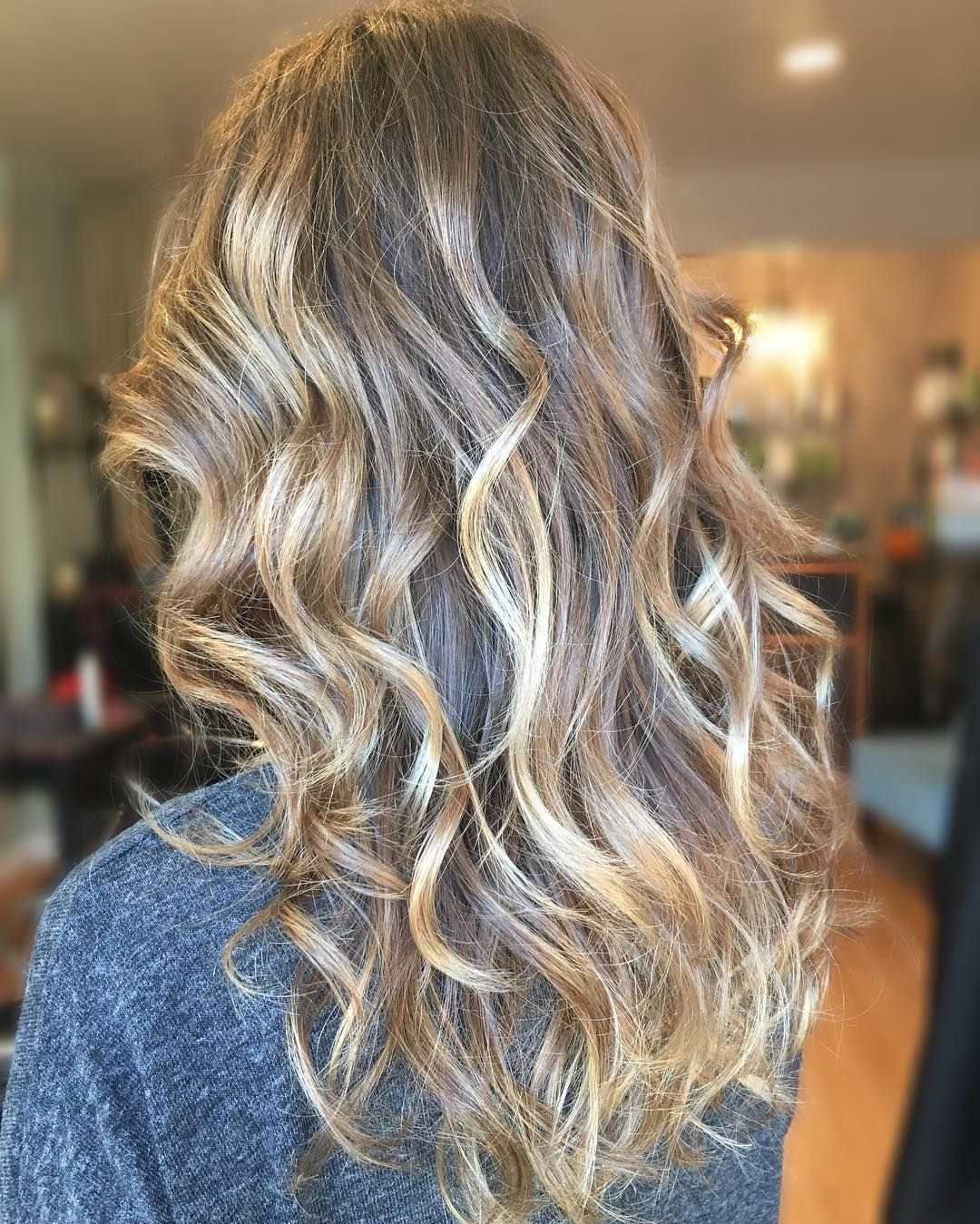 Dark Blonde Wavy Hair With Subtle Painted White Blonde Balayage Highlights White Ombre Hair Dark Blonde Hair Blonde Wavy Hair