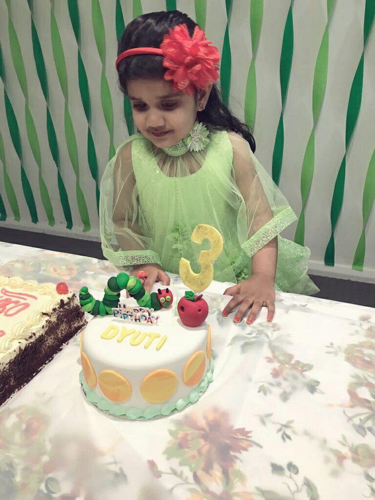 Caterpillar cake with images caterpillar cake cake