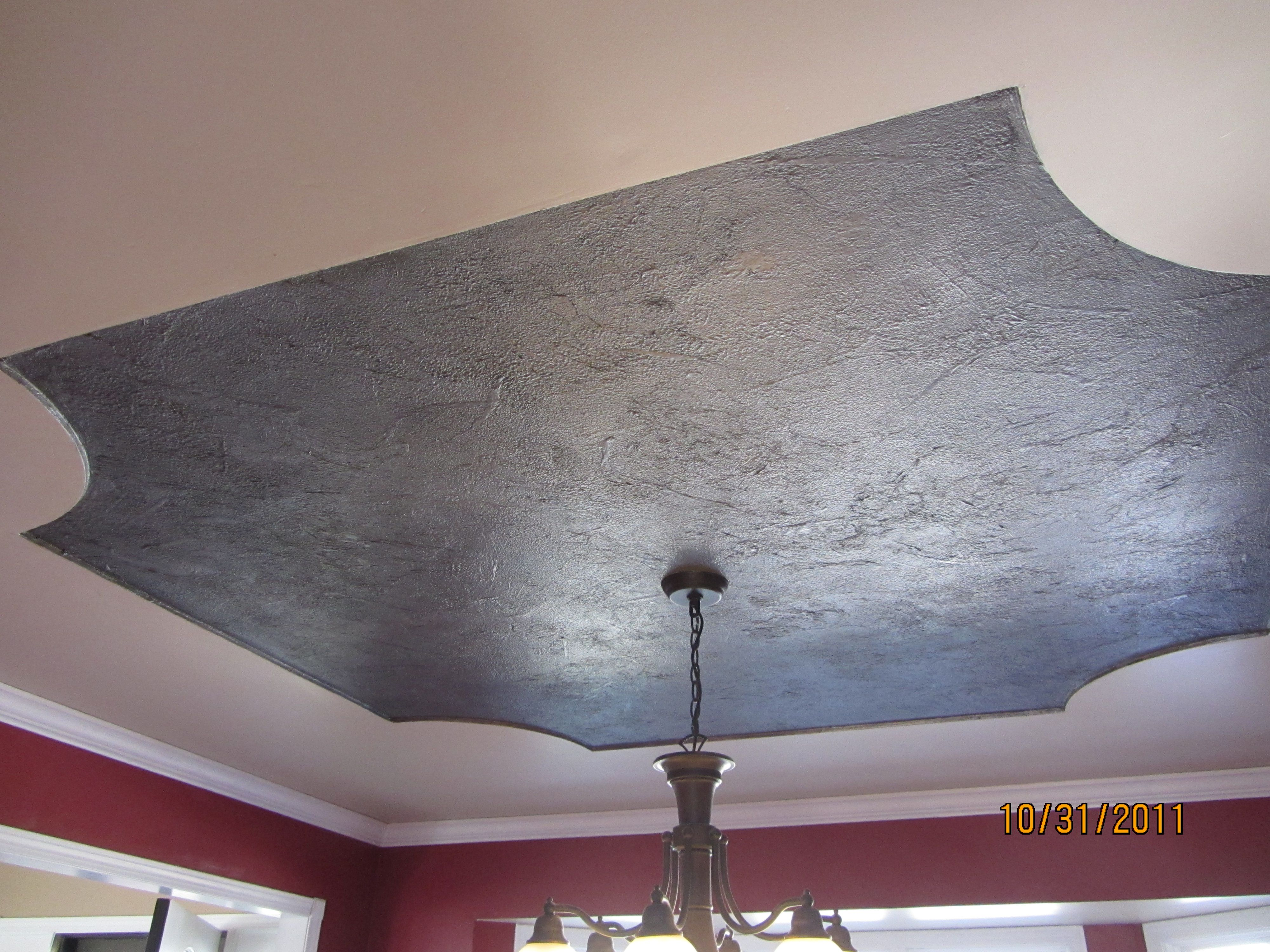 My Dining Room Ceiling Paint Base Coat Crunch Up Tissue Paper And Push It Into Wet Paint Roll Anothe Dining Room Ceiling Bedroom Redesign Ceiling Painting