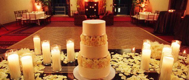 Cake Cutting Songs Fun Songs To Cut Your Wedding Cake To Wedding