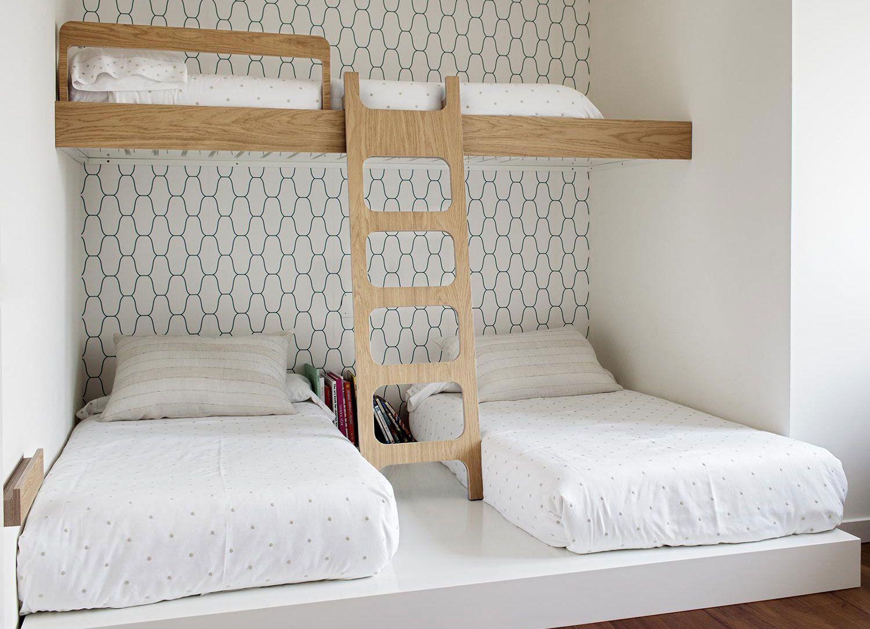 Beanhome muebles para ni os grandes habitacion para 3 for Ideas camas
