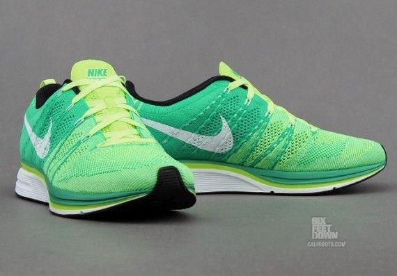 Nike Flyknit Trainer: Volt/Green/White
