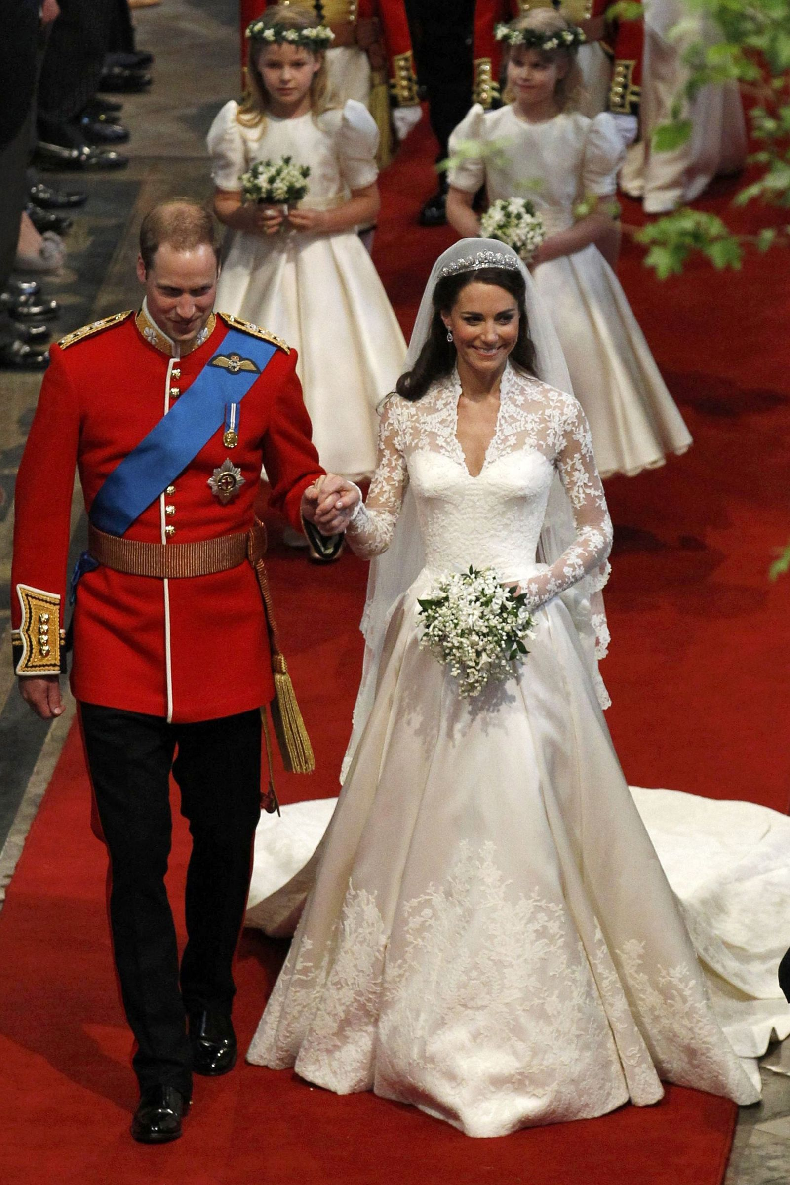 10 Hidden Details You Didn\'t Know About Kate Middleton\'s Wedding ...