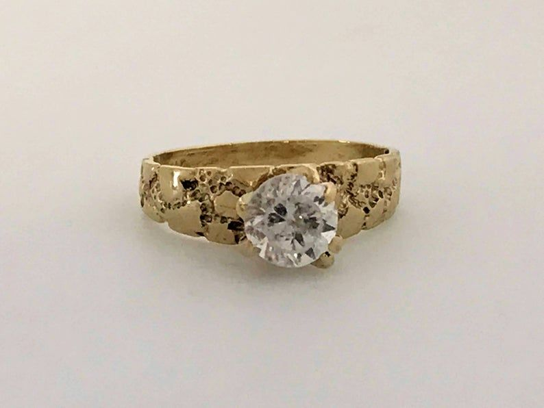 Vintage 10k Gold Cz Stone Brutalist Ring 10k Yellow Gold Etsy In 2020 Cz Stone 10k Gold Wedding Rings