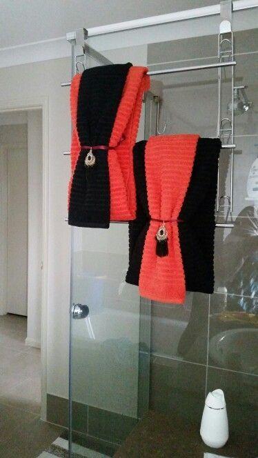 Best 25+ Folding bath towels ideas   Bathroom towel decor ...