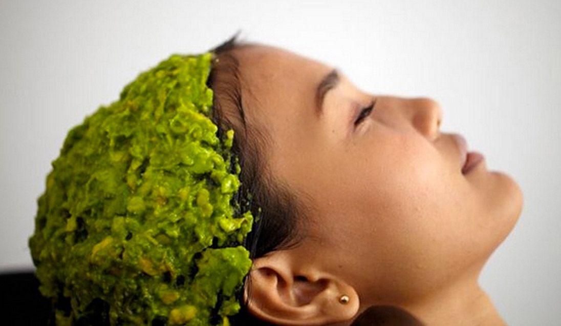 La mascarilla de aguacate es buenísima para hidratar los cabellos que se encuentran en estado avanzado de resequedad, ayudan a dar una buena nutrición al cabello para que se vea lo más saludable posible, y evita que de deteriore más. El aguacate es un alimento que es muy utilizado para preparar mascarillas que sirven para …