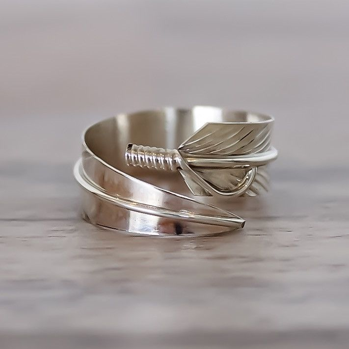 Silver Navajo Feather Ring | Bohemian Jewelry | Indie and Harper