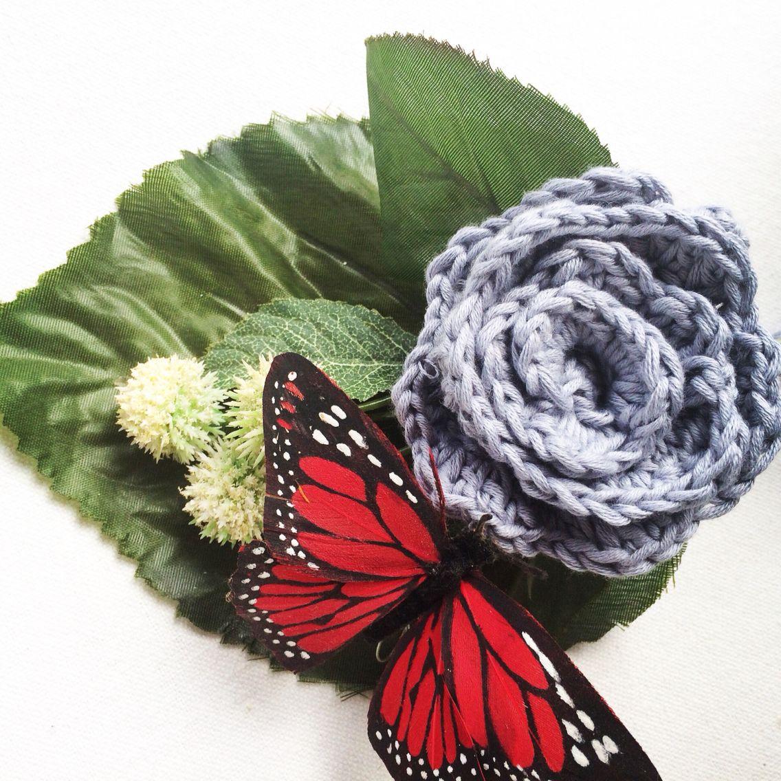 Flor de ganchillo con algodón gris de #weareknitters #knit #knitting #knittingisthenewyoga #instaknit #wool #tejer #tejermola #handknitted #handmade #diy #yesweknit #wak #weareknitters #iknit #cotton #algodon #wakstyle