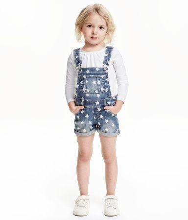 Latzshorts aus Denim | Blau/Sterne | Kids | H&M DE
