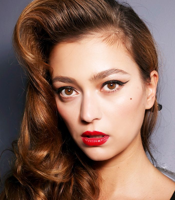 6 French Makeup Tips As Told By A French Artist French Makeup French Beauty Secrets Model Beauty Secrets