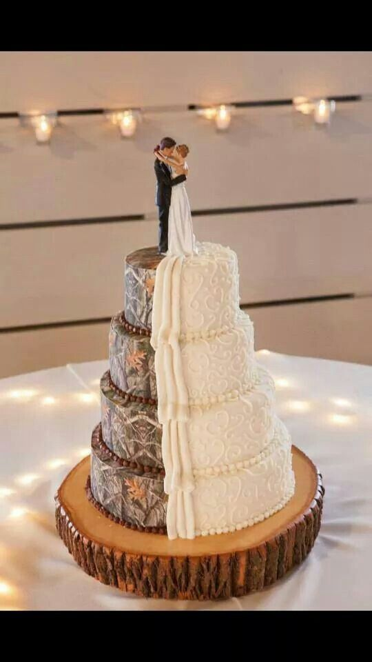 Ha ha Camouflage is my favorite color Half and half wedding cake