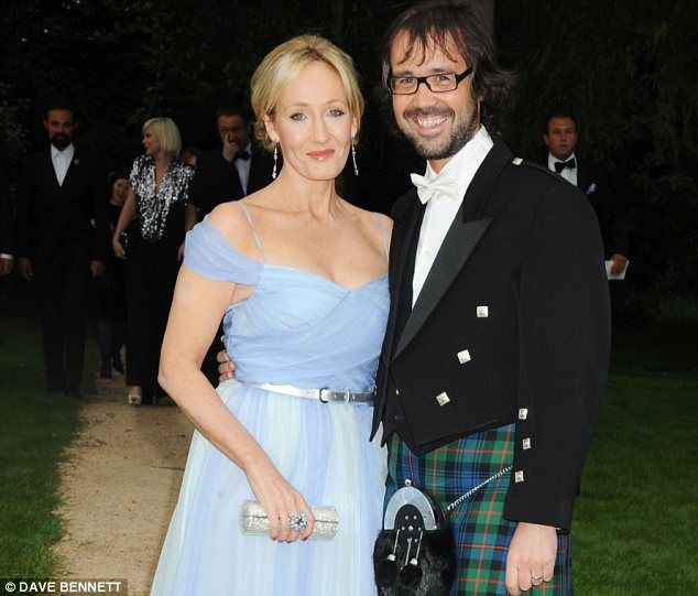 Harry Potter Author Jk Rowling Demolishes 1m House For Lavish Garden Harry Potter Author Jk Rowling Rowling