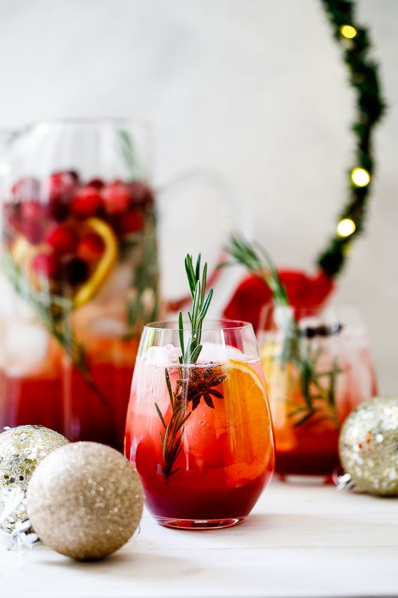 Christmas Cranberry Sangria – Simply Delicious