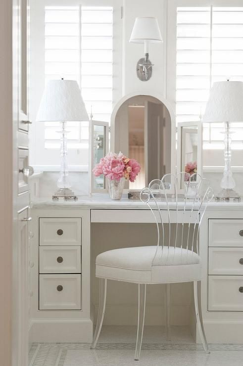 dressing table with lucite vanity chair