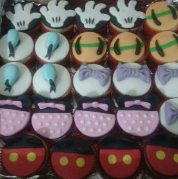 Cupcakes Disney - Drucka Machado Bolos - www.facebook.com/druckamachadobolos