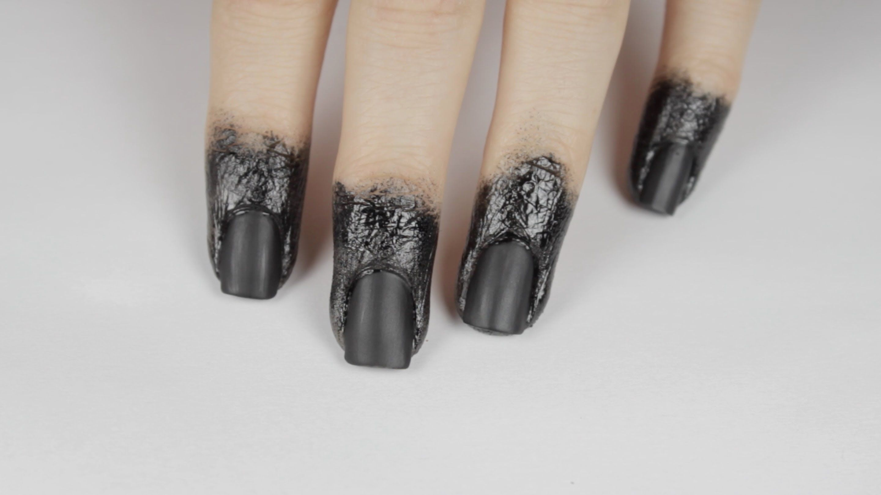 Lorde inspired nail tutorial - Lorde S Grammy Black Nails And Dipped Fingertips By Cutepolish