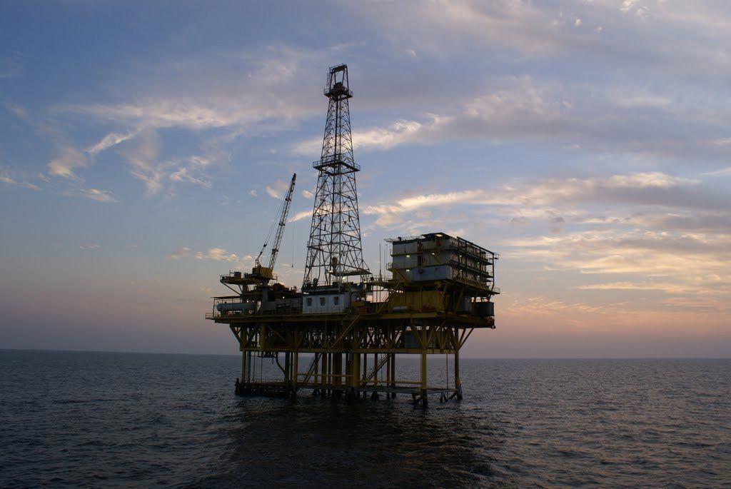 Panoramio Photo of Reshadat(R4) Platform, Persian Gulf