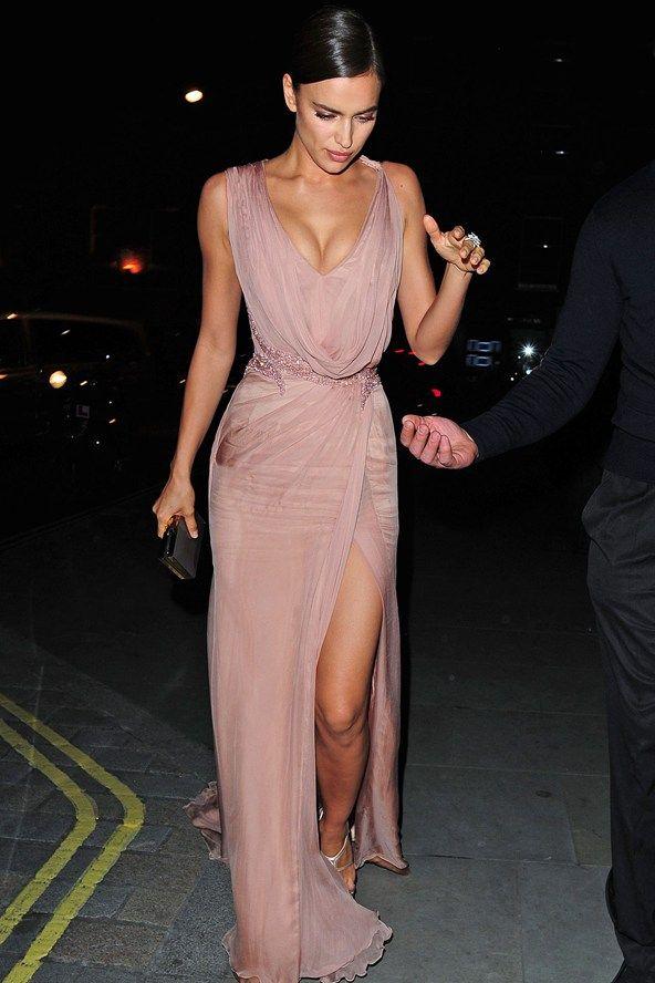 Celebrity Style I model I street-style I Irina Shayk I gown I Atelier Versace I @monstylepin