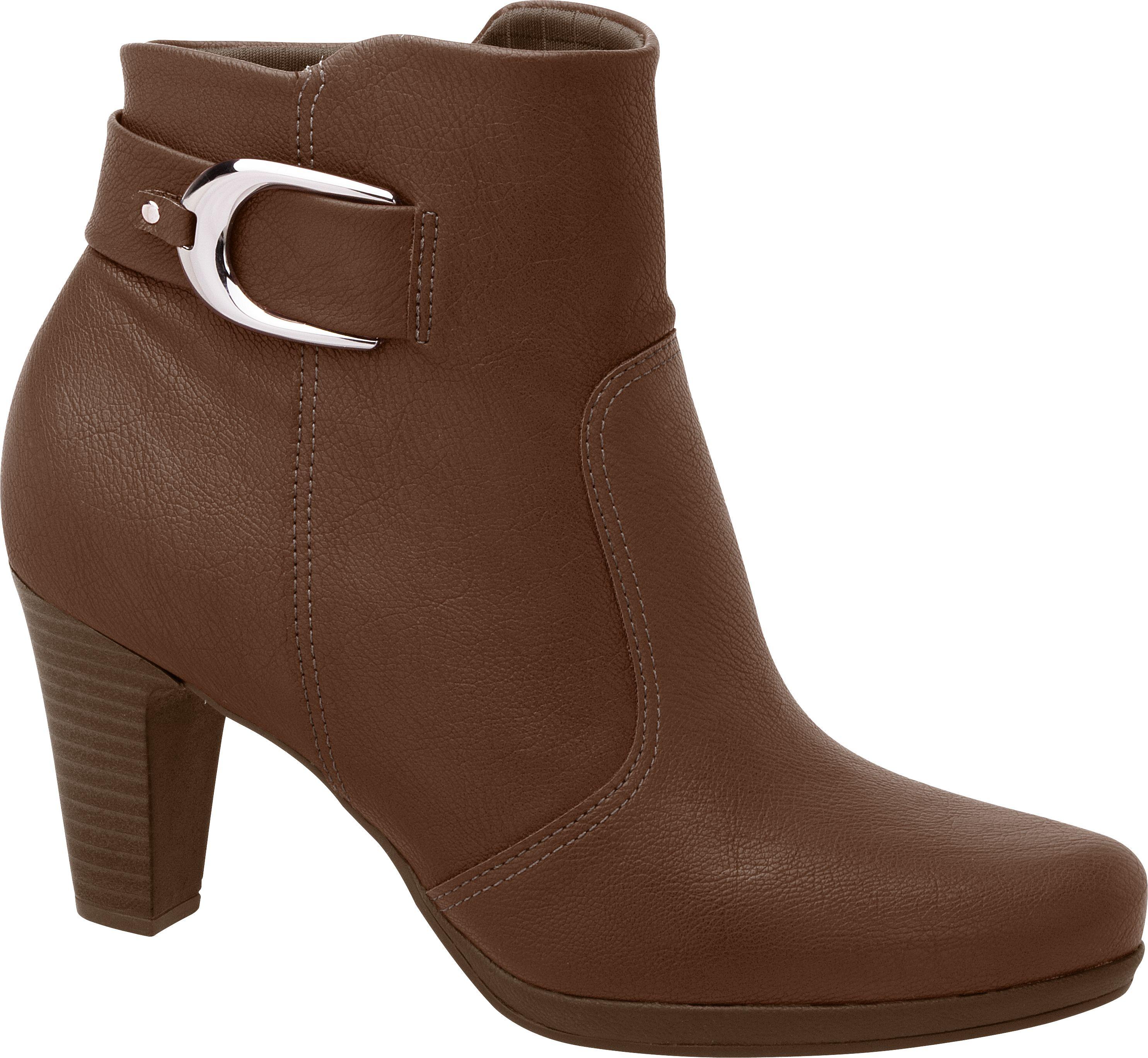 Ankle boots ficam ótimas se combinadas com saias e vestidos com comprimento acima do joelho!