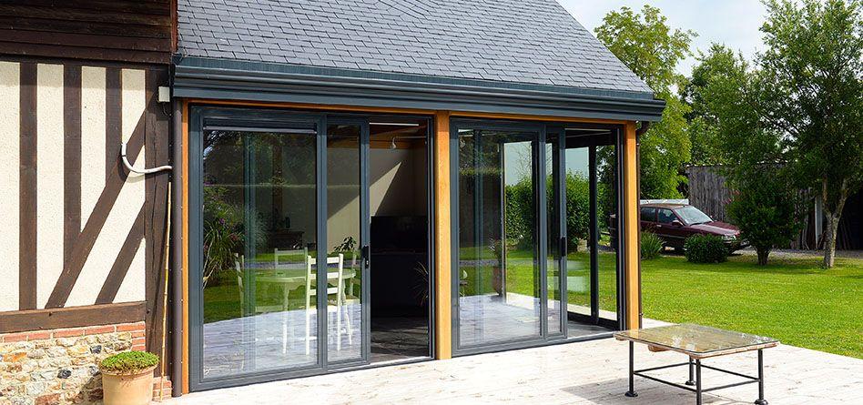 Realisations De Verandas En Bois En Aluminium Et A Acroteres Page 24 Veranda Bois Veranda Veranda Confort