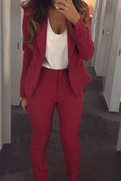 From our Pinterest inspo page.  Girlsdressingcuteforwork.com #businessattire
