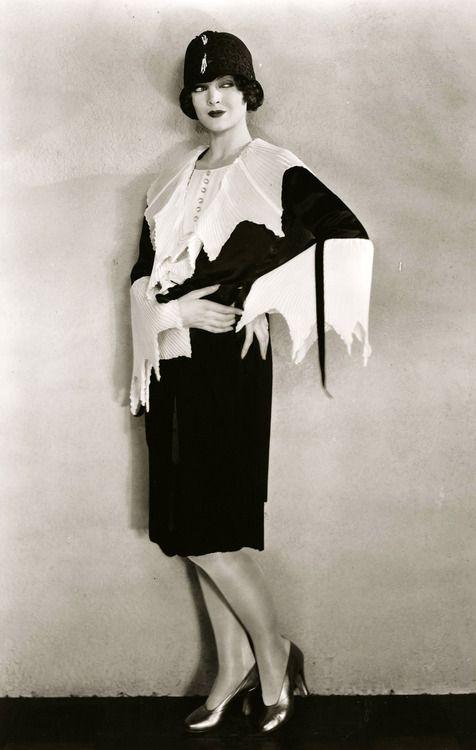 Myrna Loy, 1927.   More on the myLusciousLife blog: www.mylusciouslife.com