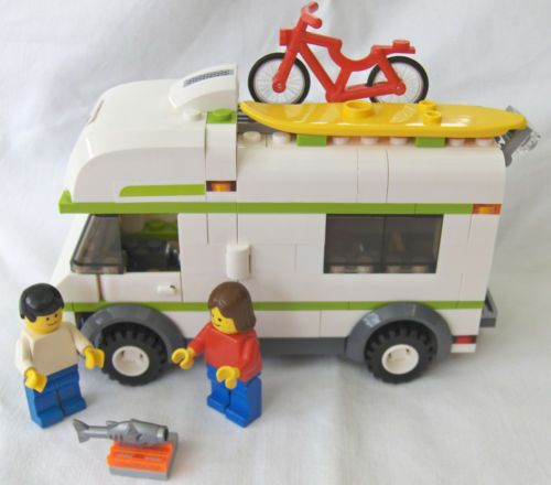 LEGO-SET-7639-CAMPER-Town-amp-City-Series-Complete