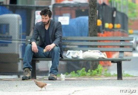 Se eu pudesse eu estaria la sentada com ele. Pena que eu sou pobre e moro no Brasil!