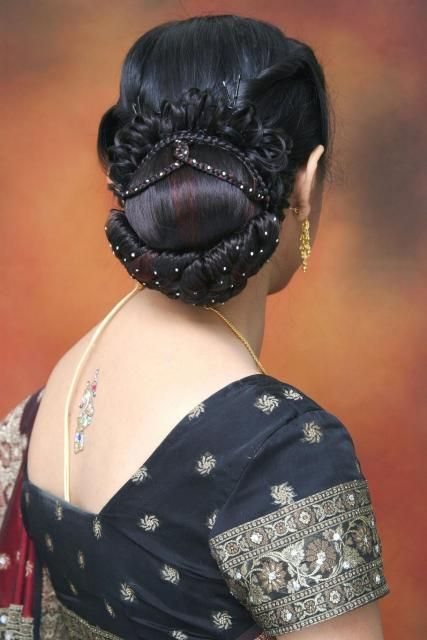 Bridal Hair Sytles Low Bun Hairstyle For South Indian Wedding - Bun hairstyle for reception