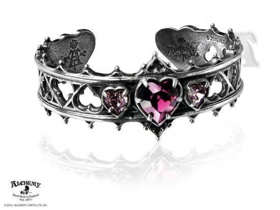 Heart ring love it! Want it!