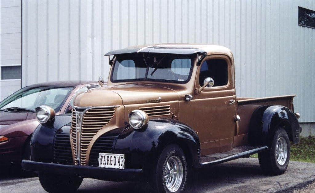 1947 Fargo Pickup Truck In Quebec Re Pin Brought To You By Agents Of Car Insurance At Houseofins Classic Trucks Classic Pickup Trucks Vintage Pickup Trucks