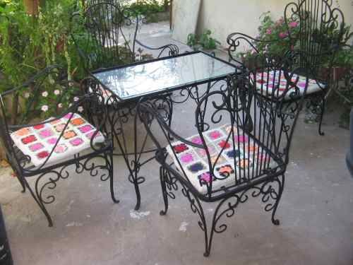 Antiguo juego de jard n en hierro forjado sillones mesa for Almohadones para sillones