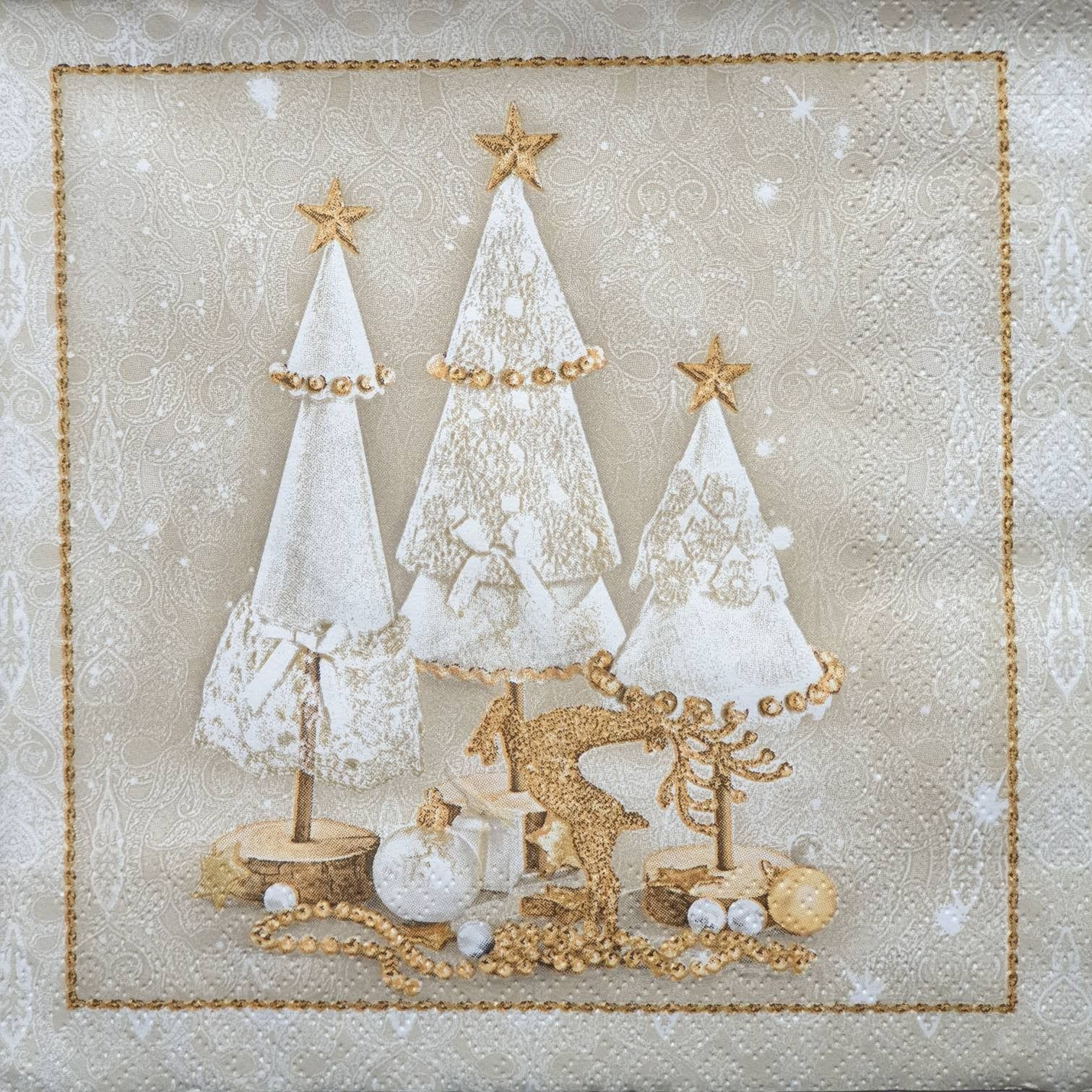 4 Decoupage PAPER NAPKINS SERVIETTES CHRISTMAS TREE 13 Inch Craft Supplies NEW