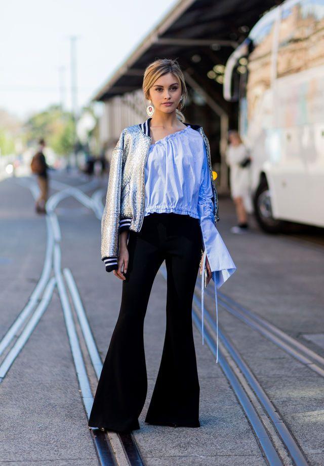 6 modi di indossare d estate i pantaloni a zampa d elefante per essere glam  e chic -cosmopolitan.it aebcd82a3d7