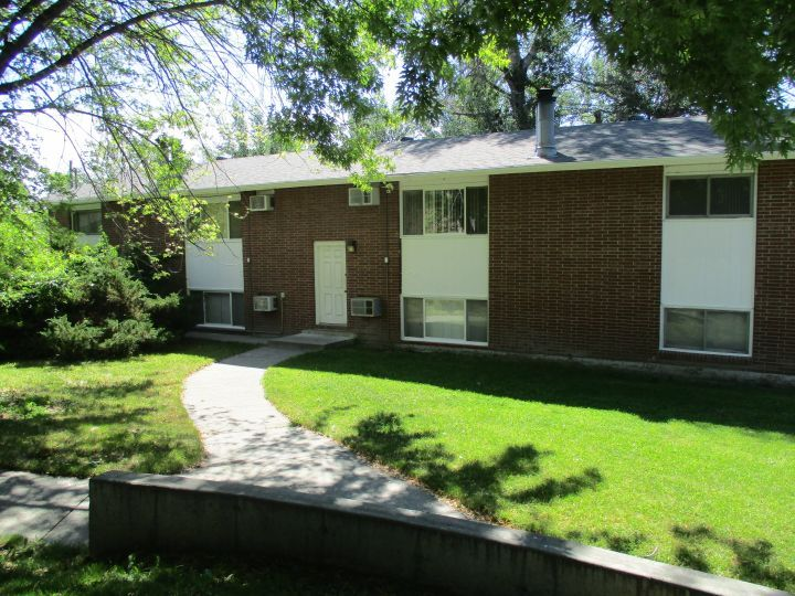 Garage A C Laundry Hookups Billings Mt Rentals Send Notice Close To Colleges Ho Wood Burning Fireplace Wall Mounted Air Conditioner Apartments For Rent