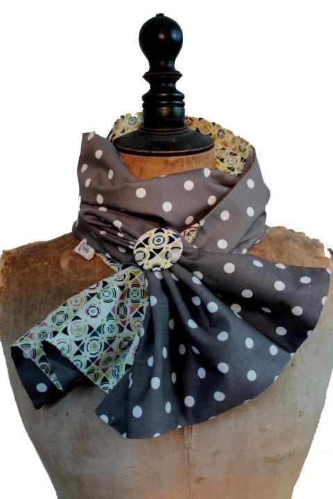 Echarpe originale femme - Gris à pois beige   Echarpe, foulard, cravate par  www-eva-arlettaz-com 0e08c9a4737