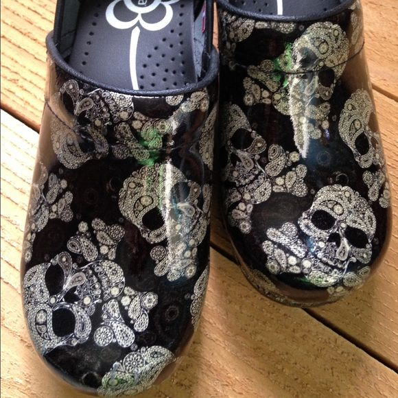 Sanita Sugar Skull Paisley Patent Leather Clogs 37 New without box. Never worn. Size 37, fit like US 6.5. Too cool!!!!  Skulls are cream colored! Sanita Shoes Mules & Clogs